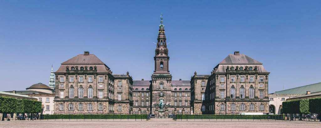 Christiansborg Slot nær Hotel København - © Martin Heiberg