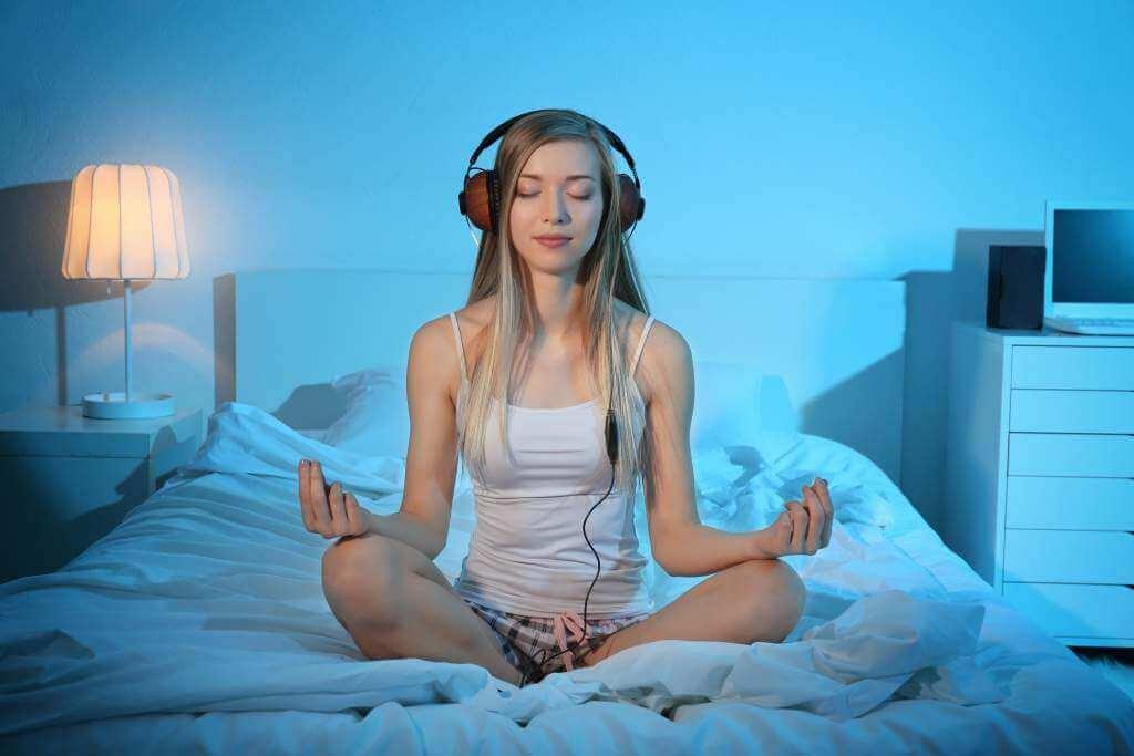 Mediter dig til bedre søvn